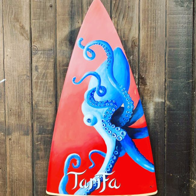OFERTAS TABLA SURF ROJO RECICLADA TARIFA PLAYA DECORACIÓN